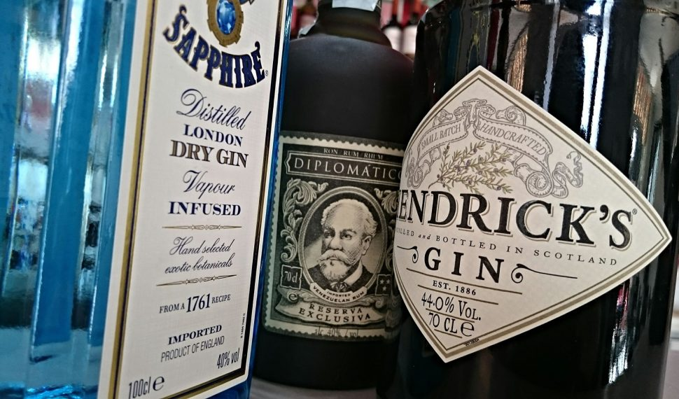 Gin Tasting online buchen und zuhause genießen